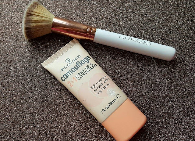 Essence Fondotinta Camouflage 2in1