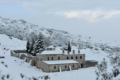 Η Ι.Μ Προφήτη Ηλία Ερυθρών χιονισμένη