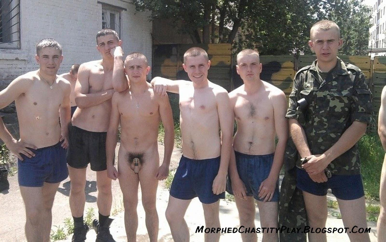 хранилище взрослых парень в армии раздевается мне
