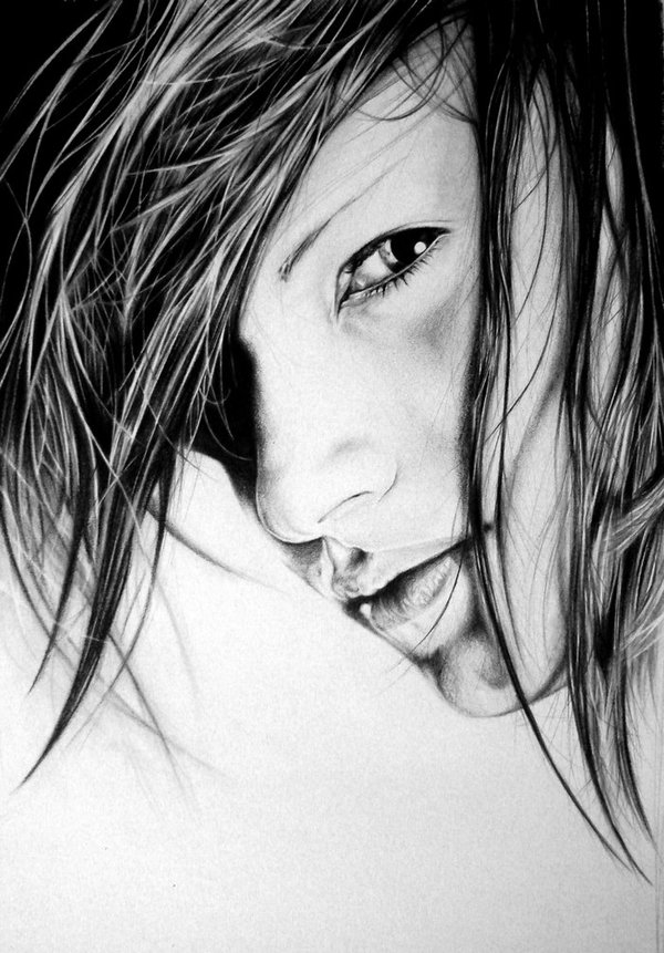 02-A-mi-morena-Lukasz-Koniuszy-Black-and-White-Portrait-Drawings-in-Pencil-www-designstack-co