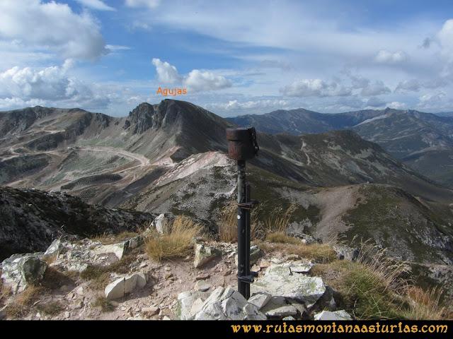 Ruta Pico Toneo y Peña Agujas: Vista del pico Agujas desde el Toneo