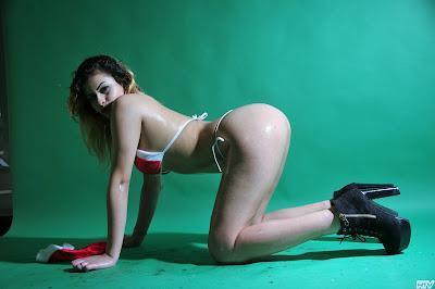 camgirls italia presenta la biondina sexy brasiliana doc