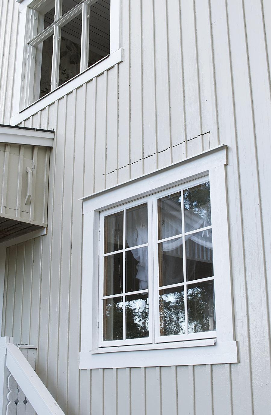 måla om huset själv, renovera gamla fönster, kitt, flugger färg