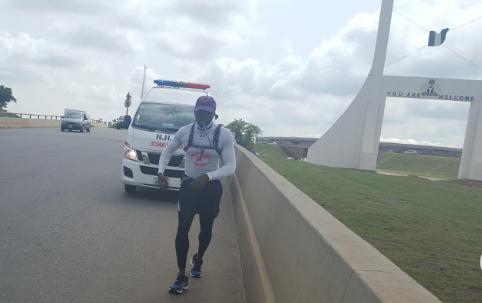 toronto nigerian trekked abuja to lagos 17 days