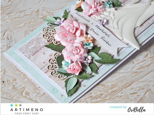 róże z papieru na kartce
