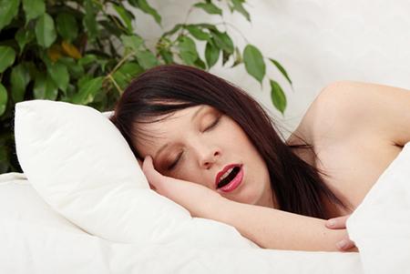 Bệnh ngủ ngáy ở phụ nữ và cách chữa trị