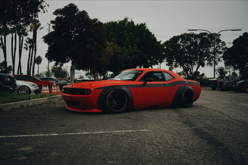 Dodge Challenger on the VR15 wheels 0001