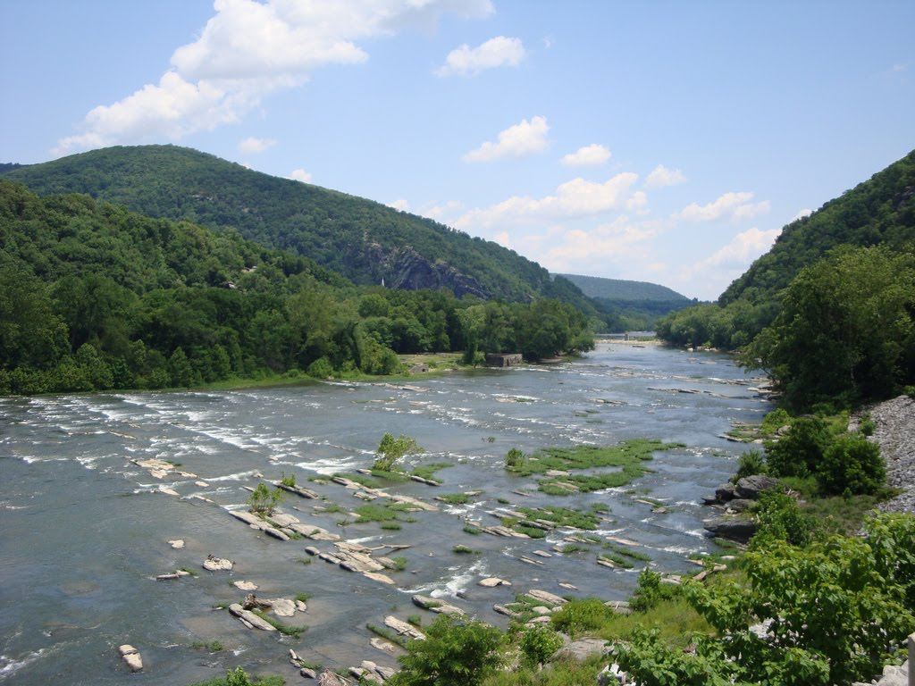 Shenandoah River Blue Riidge Mountains And Northern