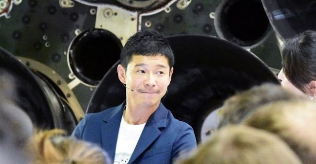 japanese billionaire named as first passenger to fly around moon in spacex bfr