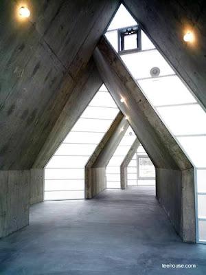 Espacio interior de la casa japonesa de diseño excéntrico