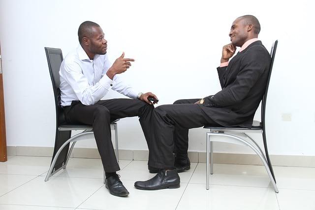 Jangan menyelesaikan masalah melalui chat, ada baiknya bertemu langsung