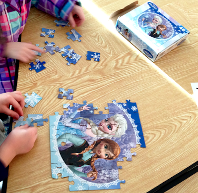 Teamwork Building with Puzzles in K-1