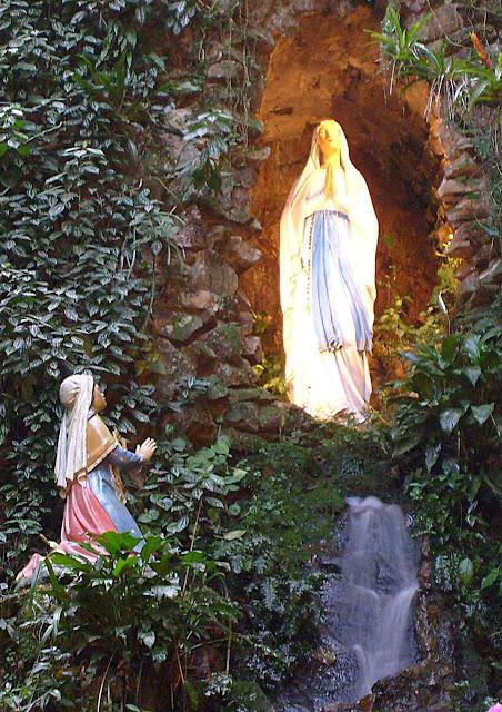 Gruta de Lourdes em Angelina, Florianópolis