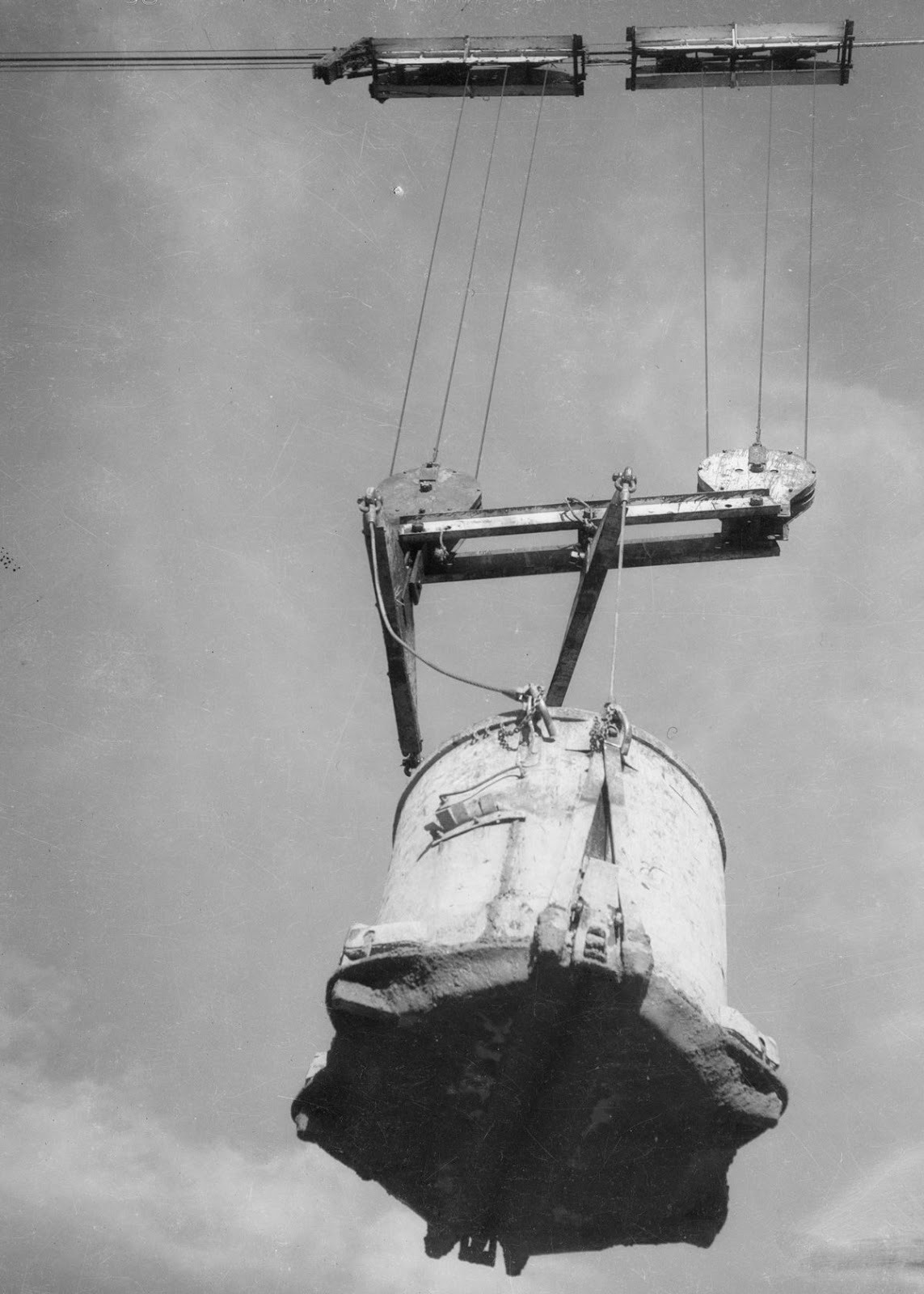 These Photographs of the Hoover Dam Being Built Are