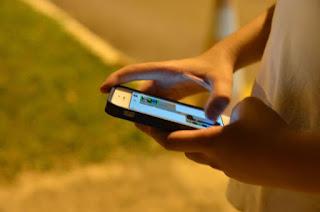 http://vnoticia.com.br/noticia/3061-tempo-gasto-com-celular-preocupa-adolescentes-e-pais-mostra-pesquisa