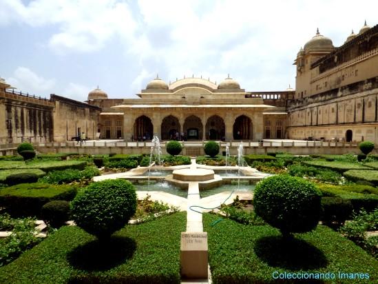 Jardines del Fuerte Amber en Jaipur