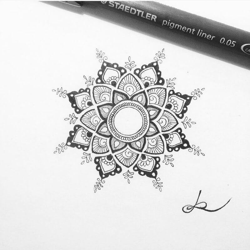 07-Eszter-Luca-Stippling-Ink-Mandala-Designs-www-designstack-co