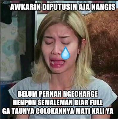 7 Meme Kocak 'Awkarin Diputusin Pacar Nangis' Ini Bikin Ketawa Miris