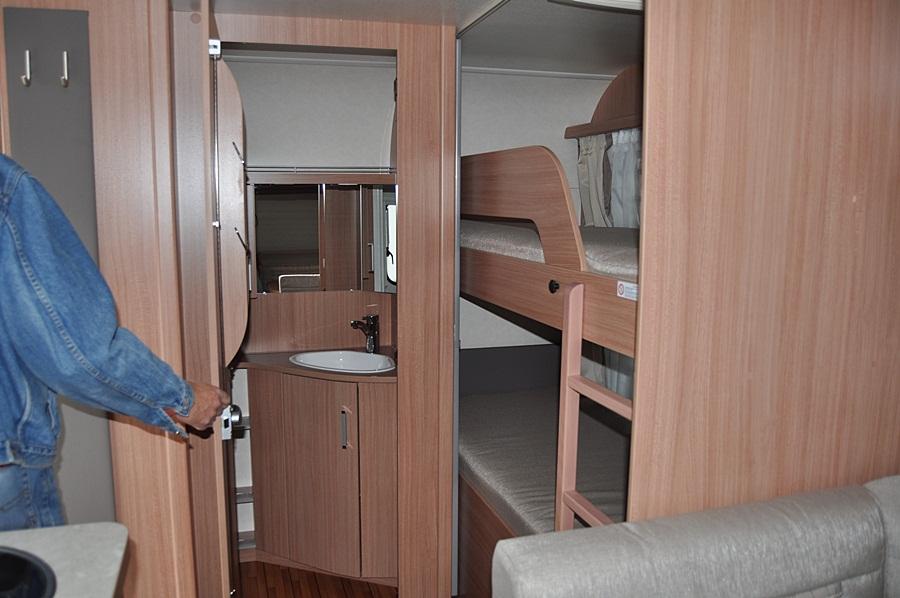 unsere wohnwagen reisen nun auch innen. Black Bedroom Furniture Sets. Home Design Ideas