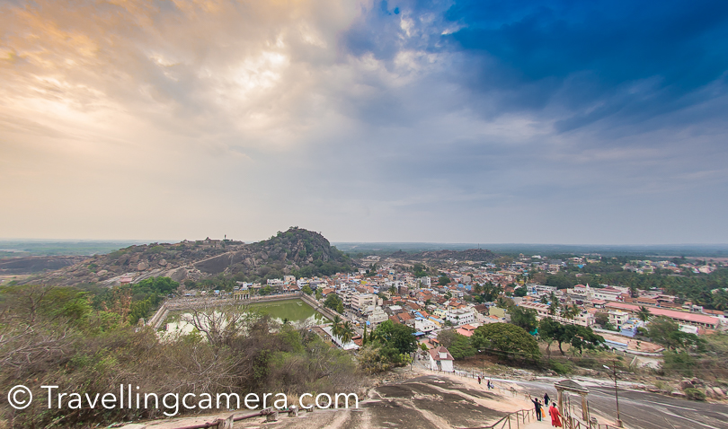 This is the most common views from the top of Saravanbelagola. You see this huge water body in the middle of the town at the base. Please also notice stairs on the right bottom common with boundary. There are lot of stairs to follow for reaching the main temple and the statue.