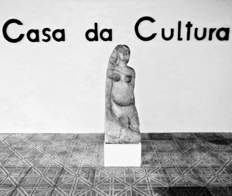 Escultura na Casa da Cultura de Joinville