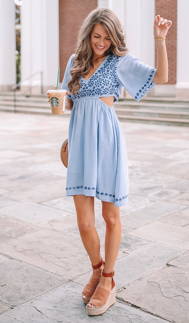 trendy summer outfit / blue embroidered dress + round bag + platform sandals