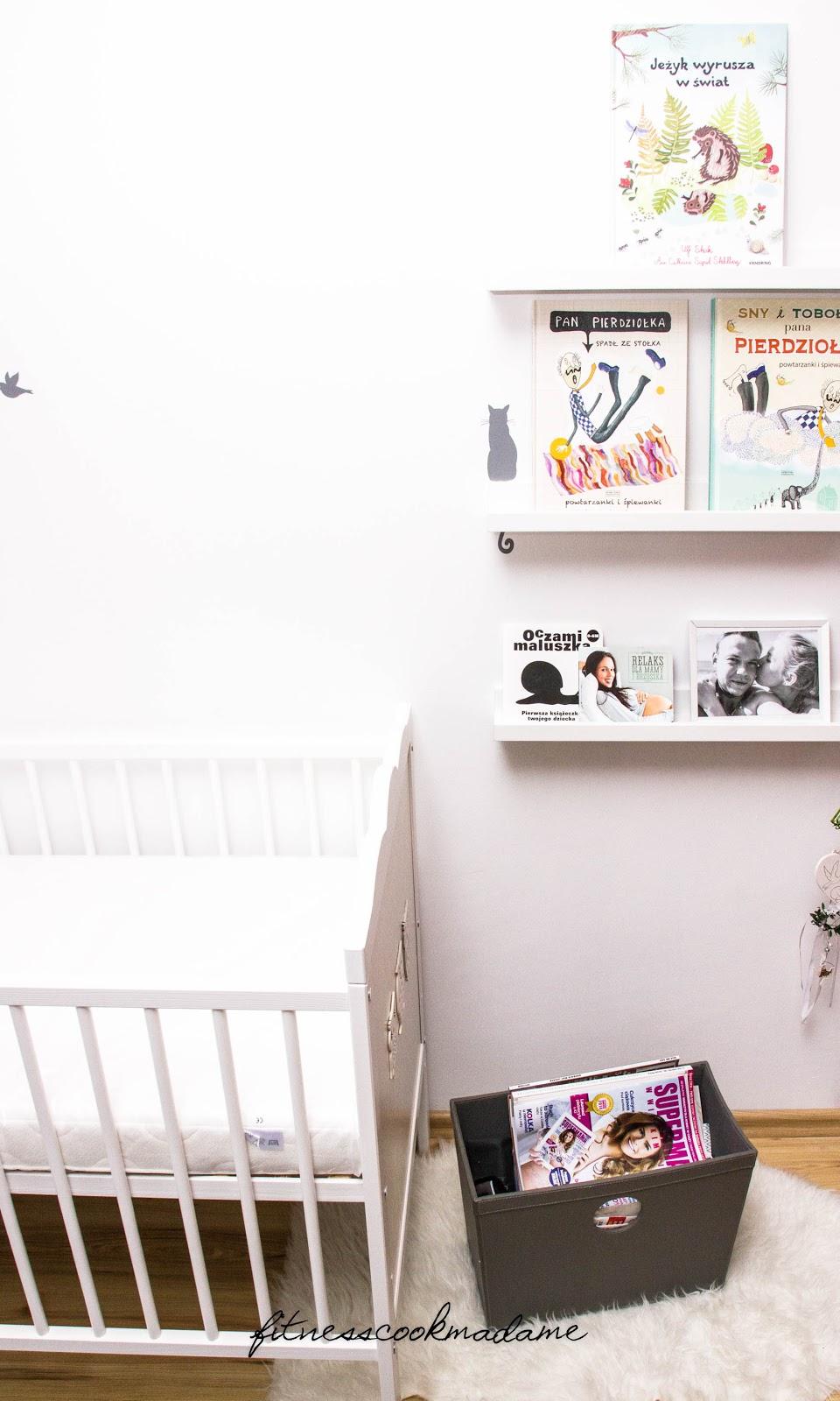 Pokój niemowlaka, książeczki.