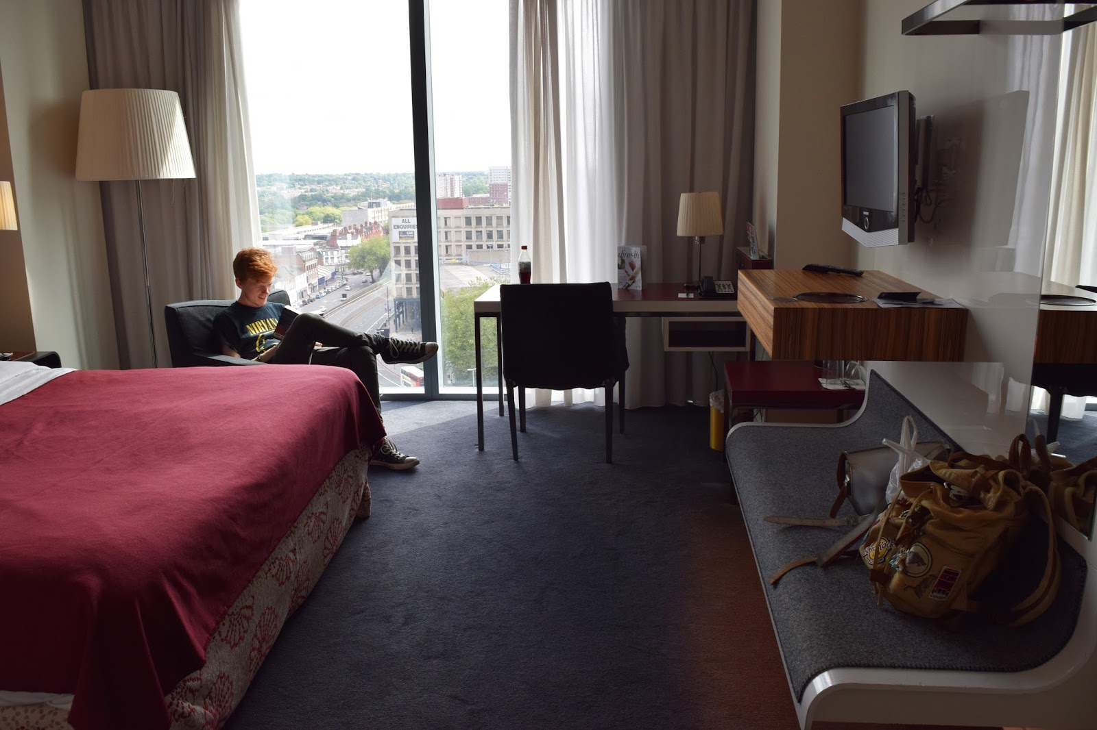 a view of the hotel room.
