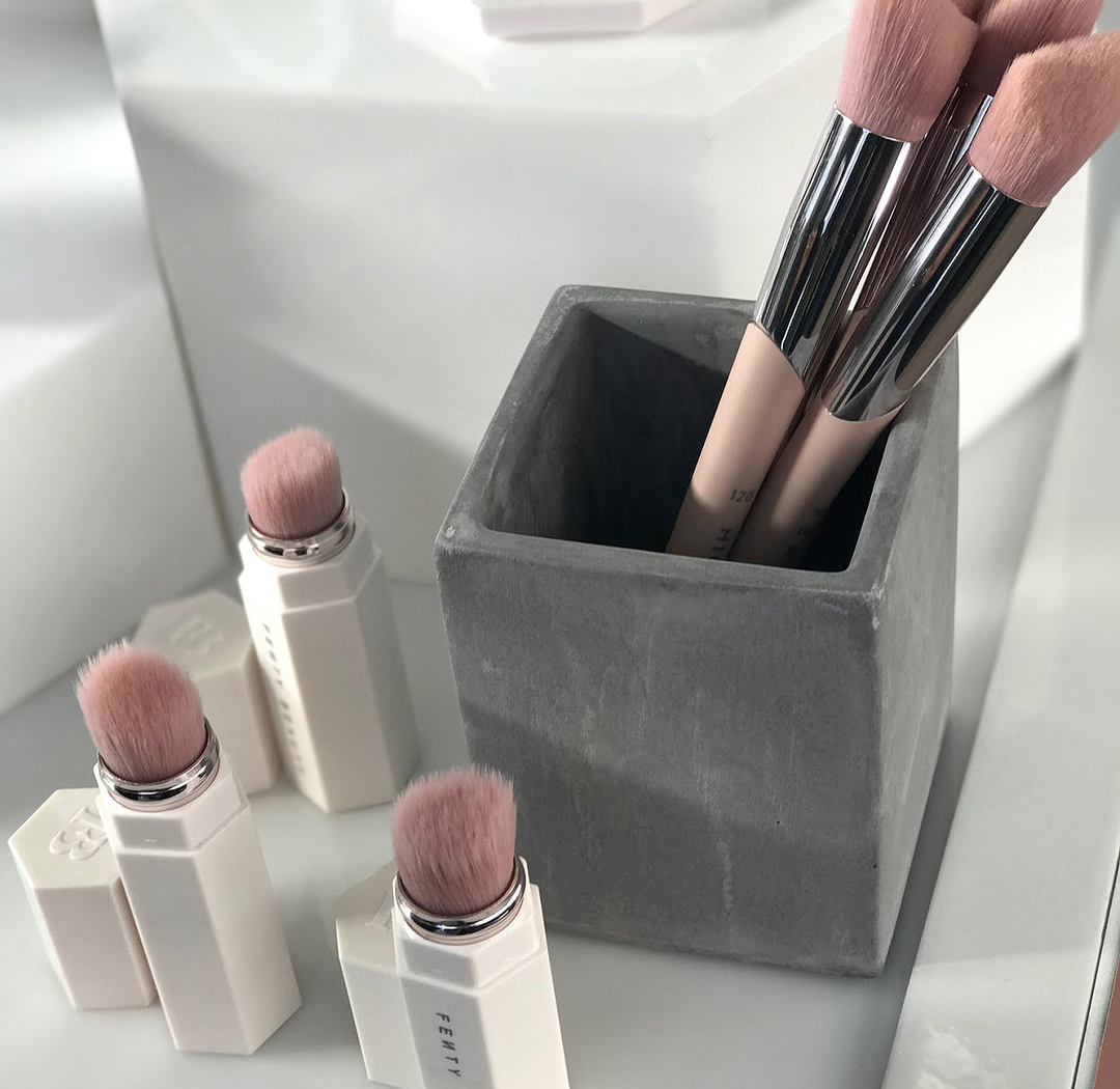 revue-fenty-beauty-brush_sephora_code_promo_mama_syca_beaute