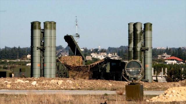 Rusia repele ataque con cohetes a su principal base aérea en Siria