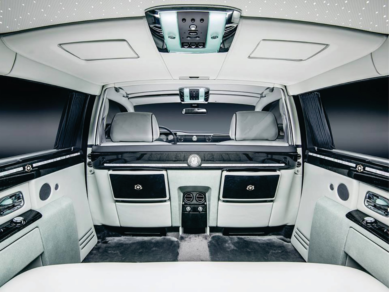 welcome to supercars of nigeria car blog the rolls royce phantom king of cars. Black Bedroom Furniture Sets. Home Design Ideas