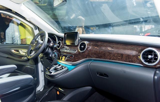 Mercedes V220 d AVANTGARDE trang bị các thiết bị giải trí thông minh