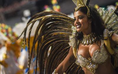 Aline Riscado é a nova rainha de bateria da Vila Isabel — Foto: Caio Kenji/G1