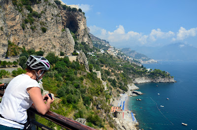 things to do in naples cycling excursions to Amalfi Sorrento Pompeii coast experiences carbon road bike rental napoli naples