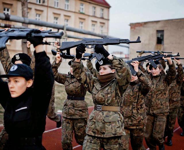 Poloneses acham que a Rússia não ficará satisfeita com a Ucrânia e tentará agredir outro vizinho. E podem ser eles.