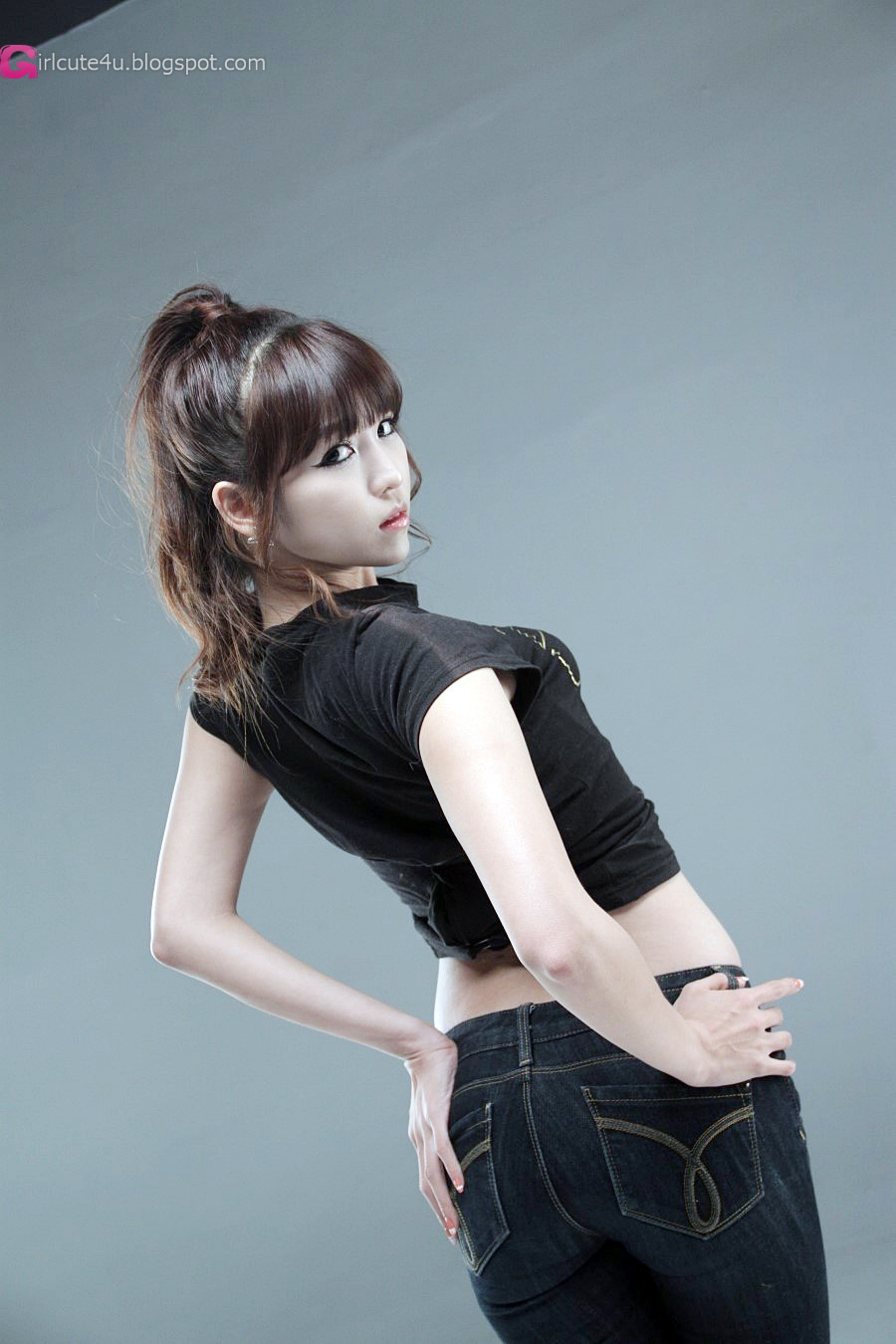 Lee Eun Hye In Black Top And Jeans  Cute Girl - Asian Girl-1538