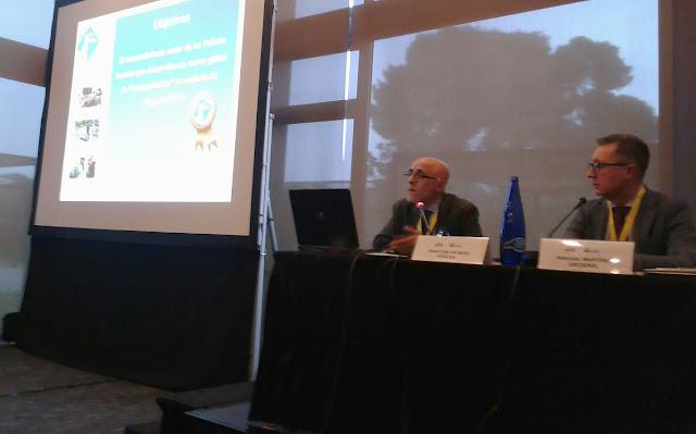 El presidente del CGPC durante su ponencia