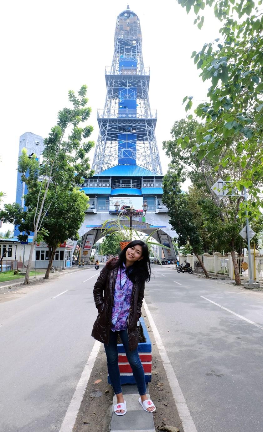 blogger-jogja-ajengmas-traveling-sulawesi-gorontalo-menara-keagungan-limboto