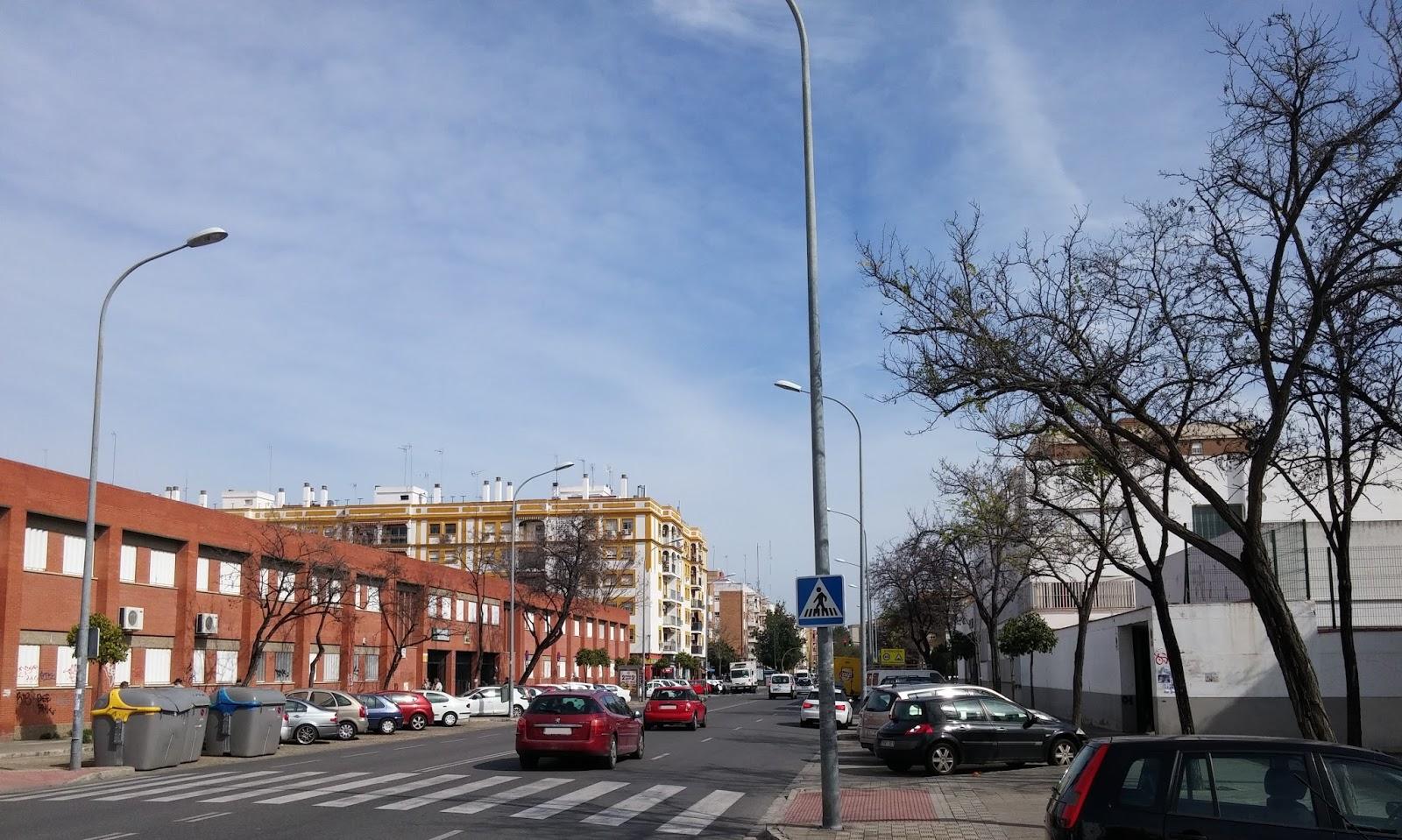 Sevilla legendaria calle arroyo reflejo del tagarete for Pisos en calle arroyo sevilla