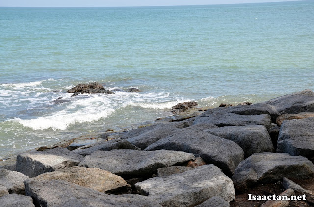 Listen to the sound of the waves along the beach of Pantai Cahaya Negeri