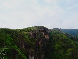 Amazing,,Perpaduan Pemandangan dan Ngalau di Bukit Posuak, Sijunjung