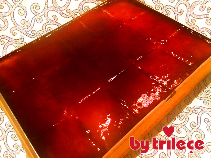by-trilece-karamelli-trilece-tatlisi-tepsi-siparis-tel