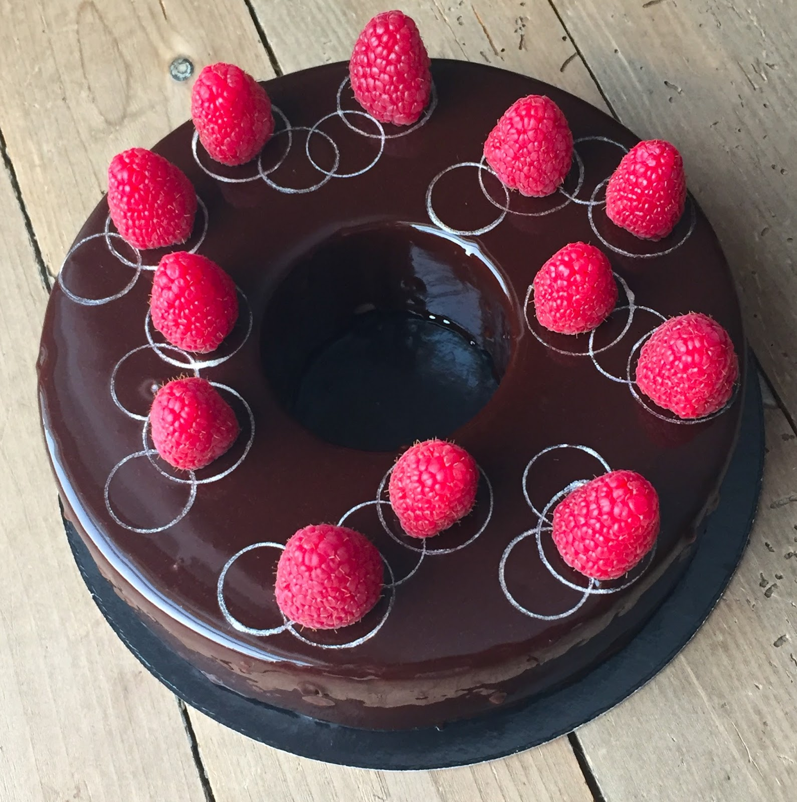 J En Reste Baba Entremets Chocolat Noir Framboises