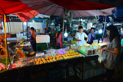Night Market Chiang Rai légumes