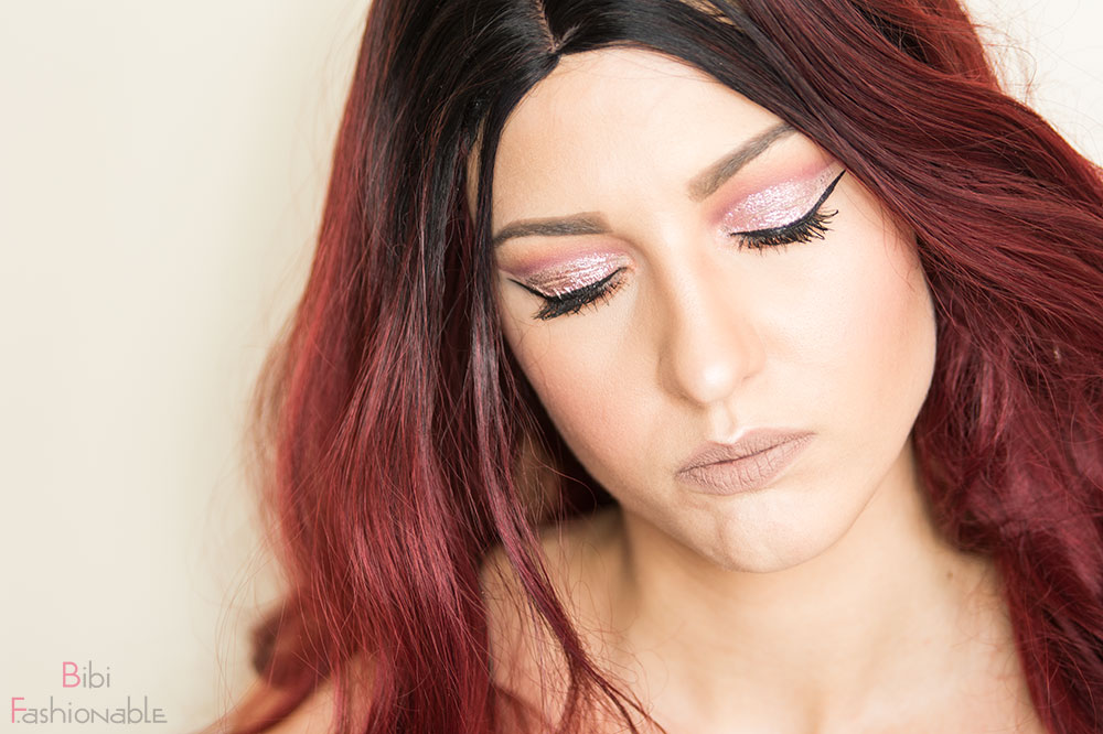 Blogparade Glitter Cut Crease Augen geschlossen Close-Up
