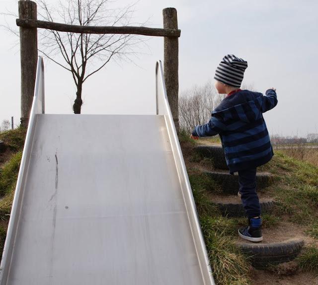 Kinder brauchen Abenteuer! Zwei spannende Abenteuer-Spielplätze in der näheren Umgebung von Kiel. Auf dem Kinderabenteuerland Wendtorf findet Ihr Rutschen für kleine und große Kinder.