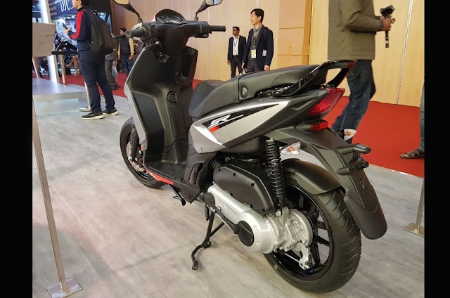 New 2018 Aprilia SR 125 it's show time