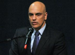 Ministro quer erradicar comércio e uso de maconha no Brasil