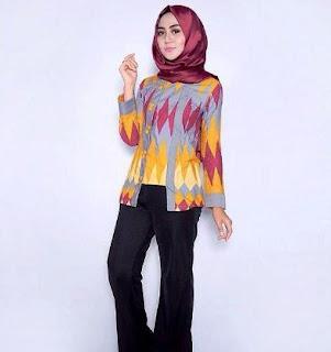 Desain model kemeja batik wanita lengan panjang
