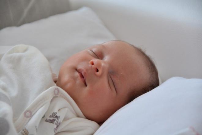 Tidur Siang Mencegah Tekanan Kesehatan Mental pada Bayi